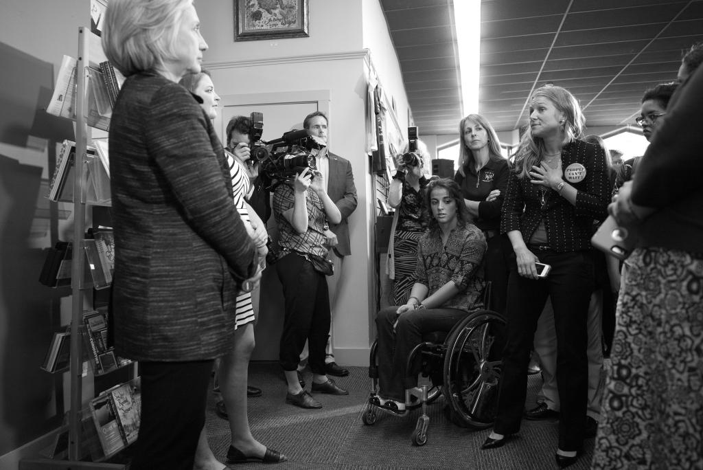 """<a href=""""/images/hillary-clinton-4"""">Own this image</a>"""